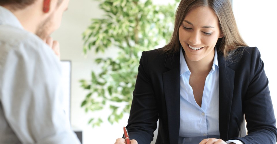 ¿Cuáles son las habilidades necesarias para ser un buen vendedor de seguros?
