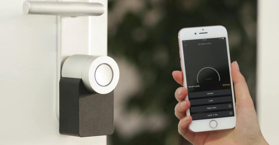 ¿Qué son las cerraduras inteligentes para puertas del hogar?